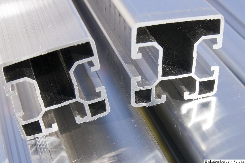 photovoltaik aufdach infos tipps zur aufdachmontage. Black Bedroom Furniture Sets. Home Design Ideas